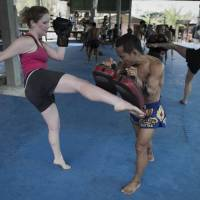 Tubby tourists fight off flab at Muay Thai boxing camps
