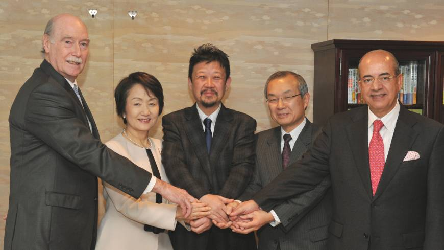 The participants in the first session of The Japan Times Forum on Africa-Japan Relations are (from left) Zimbabwean Ambassador Stuart Comberbach, Mayor of Yokohama Fumiko Hayashi, moderator and Japan Times Managing Editor Takashi Kitazume, Ambassador for TICAD V Makoto Ito of the Ministry of Foreign Affairs and Moroccan Ambassador Samir Arrour, at the newspaper's Tokyo headquarters on March 1.