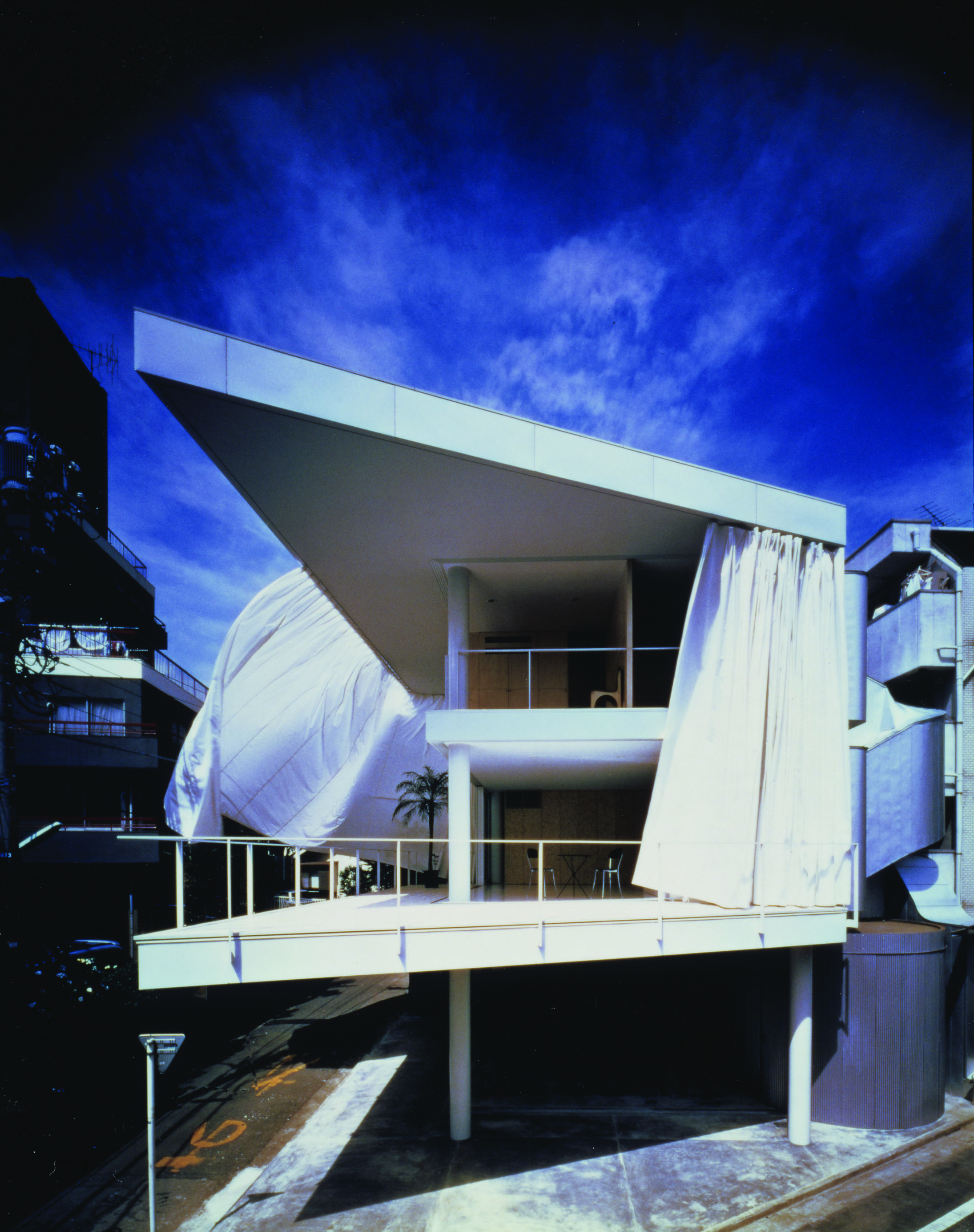 Curtain Wall Architecture : Shigeru ban people s architect combines permanence and