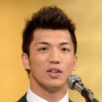 Boxer Murata decides to turn pro