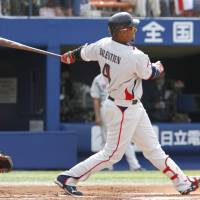 Swallows' Balentien glad to return to diamond after WBC injury delayed season debut