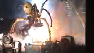 [VIDEO] Giant spiders of La Machine invade Yokohama