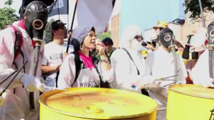 [VIDEO] Antinuclear protesters surround Japan's Diet building