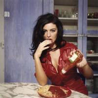 Morning shot: 'Breakfast with Monica Bellucci' (1995, Paris) | ©BETTINA RHEIMS