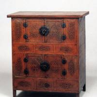 A treasure of a chest: With the use of lacquer restricted to items for the upper classes, this early 20th-century chest, created for humbler homes, was instead embellished with embossed mulberry-bark paper and varnished with perilla oil to give it a glossy finish. | COURTESY OF THE KORYO MUSEUM OF ART