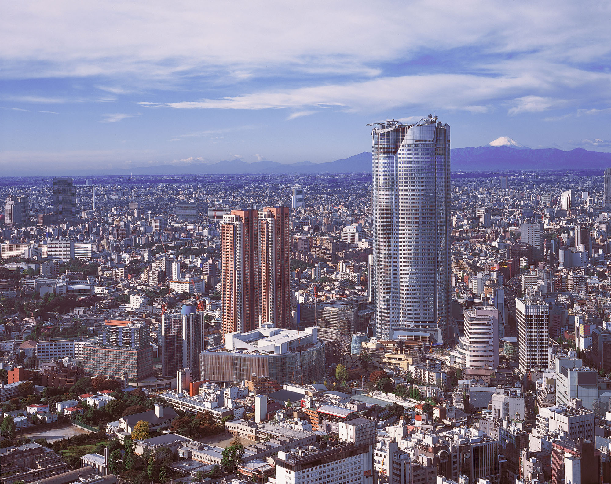 Roppongi Hills Gets Love On Its 10th Anniversary The