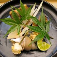 Delicate delicacies: The yakimono (grilled dish) at kaiseki restaurant Shichi Jyu Ni Kou featured fish, shellfish and chicken. | ROBBIE SWINNERTON PHOTOS