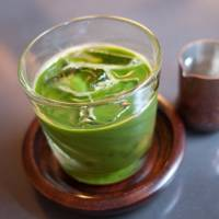 Serving green tea in your own home