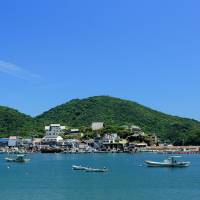 Time stands still: Tomonoura's harbor presents a typically balmy Seto Inland Sea scene.