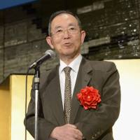 During his watch: Uichiro Niwa, Japan's former ambassador to China, speaks at a Tokyo hotel on Thursday. | KYODO