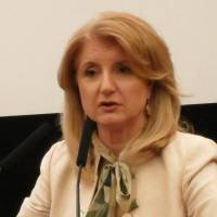 Internet mogul: Arianna Huffington, president and editor-in-chief of the Huffington Post Media Group, holds a news conference at the Japan National Press Club in Tokyo on Wednesday. | KAZUAKI NAGATA