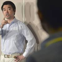Hashimoto now blames public for misreading him, snubs press