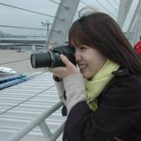 More women taking to plane spotting at Centrair