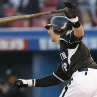 Hot as a midsummer day: Hanshin's Matt Murton goes 4-for-4 with two RBIs on Thursday at QVC Marine Field. The Tigers defeated the Chiba Lotte Marines 7-1, and Murton went 7-for-9 in the two-game series. | KYODO