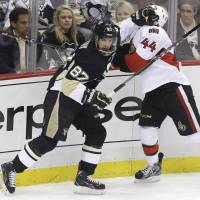 Penguins exploit power play to beat Senators in series opener