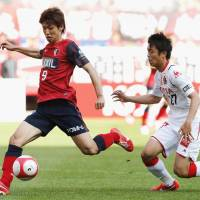 Antlers thump Grampus as Zico watches on