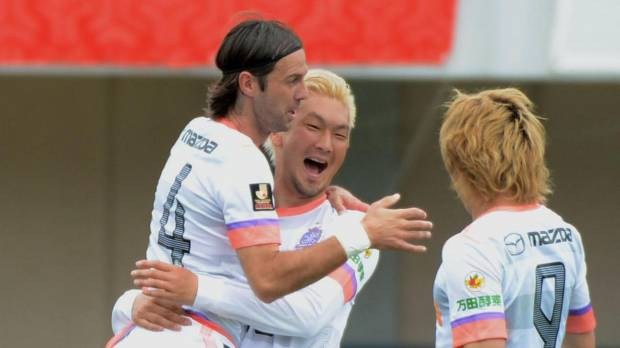 Sanfrecce rack up third straight victory