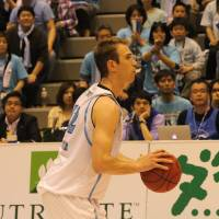 Playoff debut: Hamamatsu Higashimikawa Phoenix swingman Kevin Galloway, seen in this file photo from March, had team-high totals in points (19), rebounds (12), assists (six), turnovers (five) and steals (three) in an 80-67 Game 1 loss to the host Shimane Susanoo Magic on Friday in their first-round playoff series. | HIROKO IWASA
