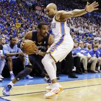 Grizzlies muscle past Thunder in Game 3