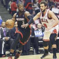 LeBron, Heat hammer Bulls; Grizzlies go up 3-1 on OKC