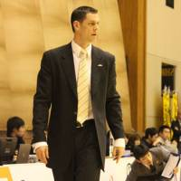 Disgusting dismissal: Matt Garrison earned the bj-league's 2012-13 Coach of the Year honor, but was axed by the Niigata Albirex BB earlier this week. | HIROKO IWASA