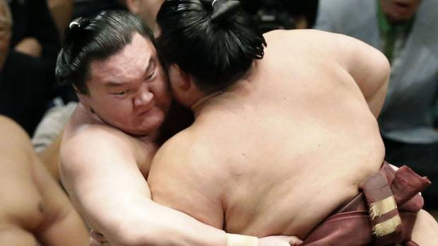 Hakuho moves closer to 25th Emperor's Cup