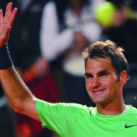 Federer, Nadal win to set up Italian Open final showdown