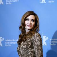 Jolie wins kudos for mastectomy revelation