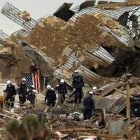 Search for tornado survivors wraps up