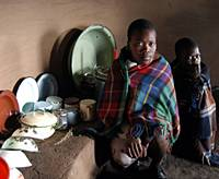 AIDS orphans Retsilisitsoe and Rethabile in their hut. | KENICHI SHINDO PHOTO