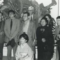 Art network: Roldolphe Stadler (at rear), Kazuo Shiraga (center) and his wife (front) with guests during an exhibition of Shiraga's work in 1992. | © ARCHIVES GALERIE STADLER