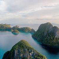 Saved waters: Wayag lagoon on Raja Ampat is the site of a marine protected area declared by the Indonesian government in May 2007. | © C.I. / PHOTOS BY STERLING ZUMBRUNN