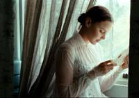 Ode to her: Abby Cornish in 'Bright Star' | © 2009 APPARITION. ALL RIGHTS RESERVED