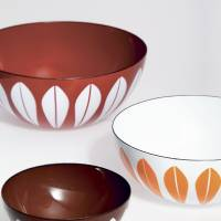 A series of enamel bowls designed by Grete Prytz Kittelsen. | © NORWEGIAN ICONS
