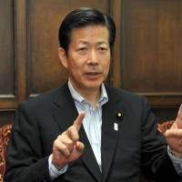 New Komeito chief vows to counter Abe if he tries to change Article 9