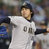 Igawa steady for Buffaloes in win over Lions