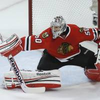 Blackhawks edge Kings in opening game of conference finals