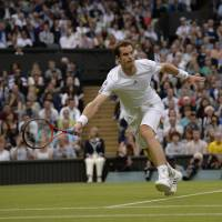 Murray rolls into 4th round