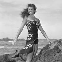 Esther Williams, champion swimmer and film star, dies at 91