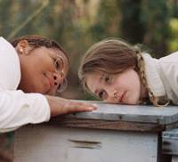 Life lessons: Queen Latifah and Dakota Fanning in 'The Secret Life of Bees' | © TWENTIETH CENTURY FOX