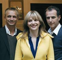 Smile please: Jeremie Renier, Juliette Binoche and Charles Berling in 'L'heure d'ete' | © 2008 MK2 SA-FRANCE 3 CINEMA