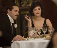 Flashing the cash: Alessandro Nivola and Audrey Tautou in 'Coco avant Chanel' | © HAUT ET COURT-CINE. © WARNER BROS. ENT. FRANCE ET FRANCE 2 CINEMA