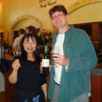 Toasting California: Coauthors W. Blake Gray and his wife, Mami Ishikawa Gray, raise their glasses at Seghesio Family Vineyards. | MAMI ISHIKAWA GRAY PHOTO
