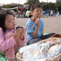 Balls of fun: Kids enjoy rice balls, known in Japan as onigiri and omusubi. | MAKIKO ITOH PHOTOS