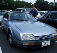 Break time: My friendly chauffeur, Zenji Nagano, parks his beloved old Citroen CX 25 GTi at the Lake Hamanako service area on the Tomei Highway in Shizuoka Prefecture. | ERIKO ARITA