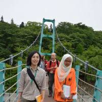 IASC conference attendees get out and about in Yamanashi Prefecture. | WINIFRED BIRD PHOTO