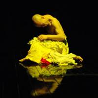 Taking from tragedy: Dancer Ikko Suzuki performs in '3.10 — Words from 100,000 People.' | DAITO NOKEN