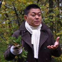 Forest foraging: Chef Yoshihiro Narisawa of Les Creations de Narisawa, finds unusual ingredients in the forests of Levi in Lapland, Finland. | MELINDA JOE PHOTO