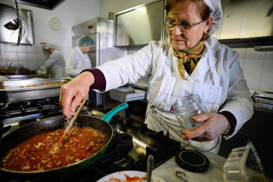 Gourmet Food Dished Out In Crisis Hit Italy 39 S Soup Kitchens The Japan Times