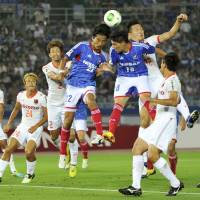 Marinos outclass league-leading Ardija
